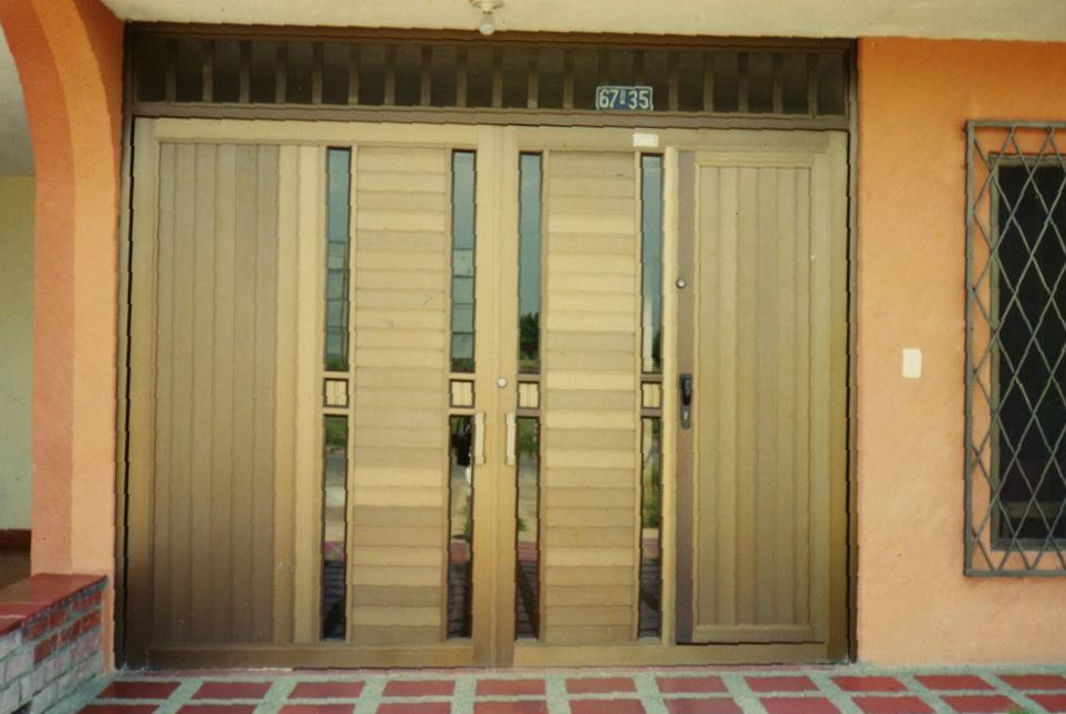 Puertas para garajes awesome puertas para garajes with - Puertas para garajes ...